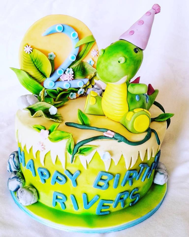 Dinosaur kids birthday cake