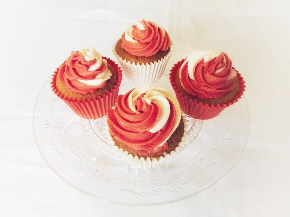 50th birthday Liverpool Football Club themed cupcakes