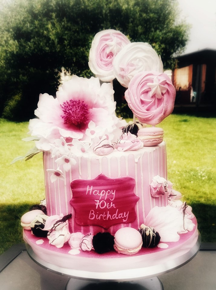 Hot pink floral drip cake